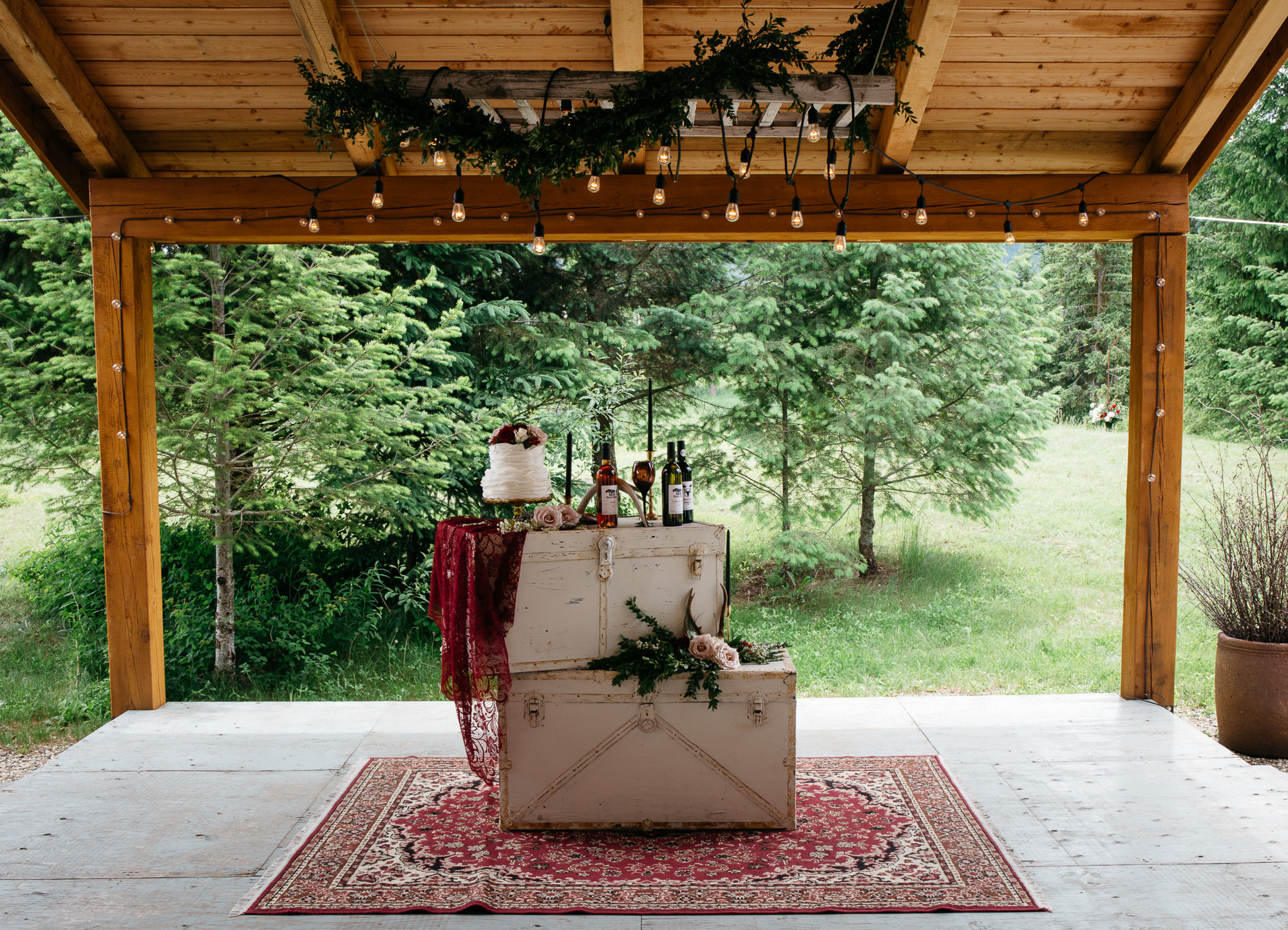 dark and moody with rustic wedding elyse anna photography